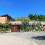 L'ingresso nella cantina dei vini